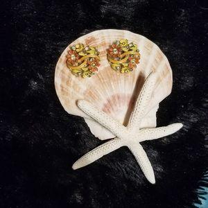 LISNER vintage 1960 earrings